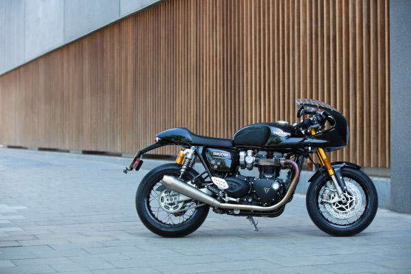 Thruxton-RS-Acc-lifestyle-11